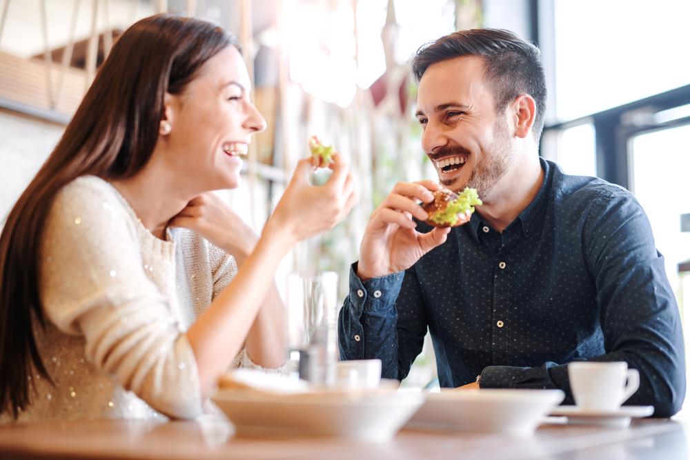 食べるのが早い心理にはどんな思いが関係している?