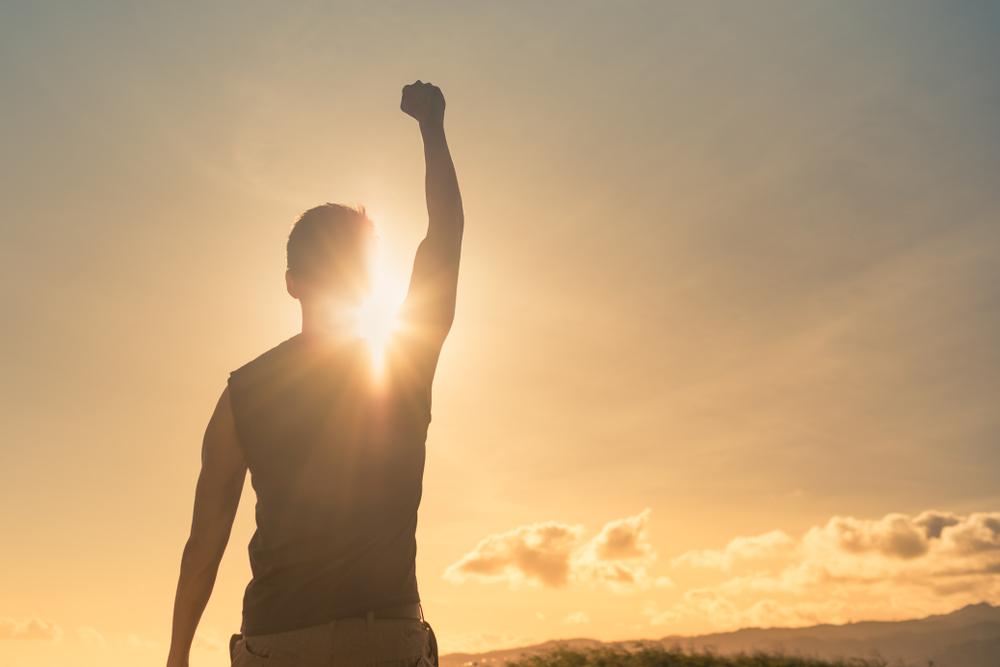 指を鳴らす人の心理と特徴・手の動きでわかる相手との関係